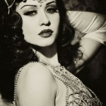 Edinburgh Burlesque Classes - 7 reasons you should try it. Madame Peaches